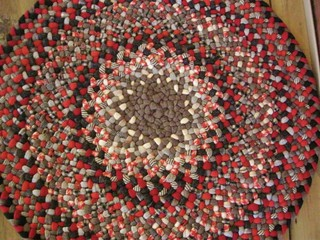 New Gingerbread Wool Round Braided Rug
