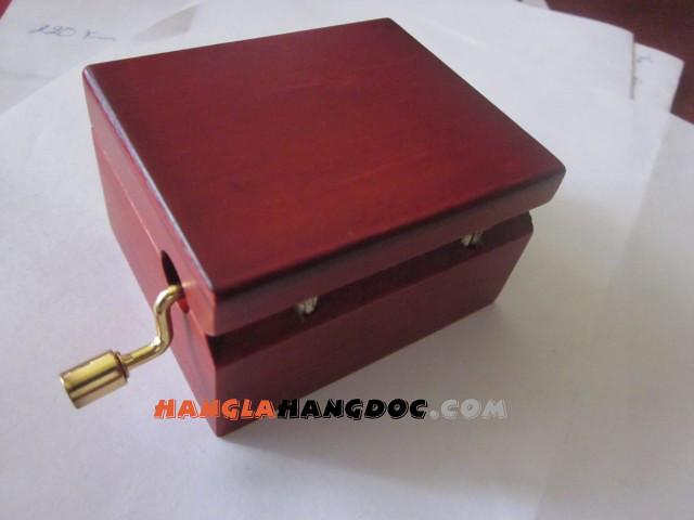 Hộp nhạc piano pha lê nguyên khối, hộp nhạc quay tay, hộp nhạc gỗ sồi, trái tim.