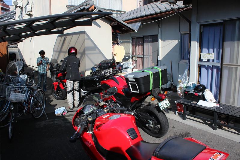 バイク組が出発