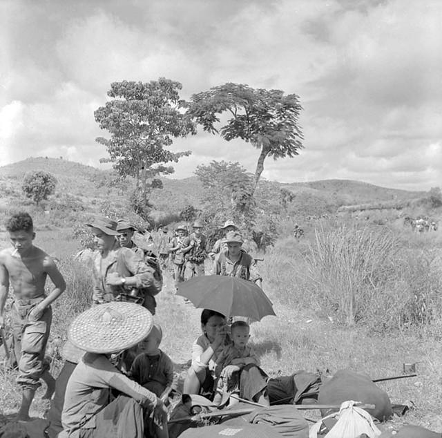 Lạng Sơn Tháng7/1953 - Repli des unités parachutistes ayant participé au raid sur les dépôts viêt-minh de Lang Son.