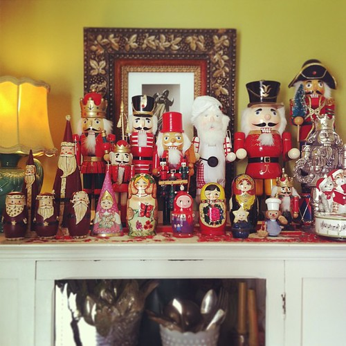 nutcrackers and matryoshka dolls #deckthehalls #yule #home