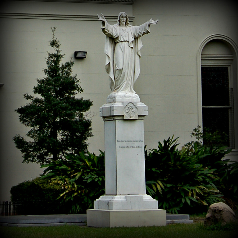 Jesus_statue_altered_picmonkey