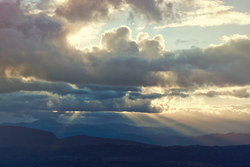 california sunrise day sandiego cloudy hike rem cowlesmountain missiontrailsregionalpark itstheendoftheworldasweknowit andifeelfine everycloudhasasilverlining chasinglight pixelmama