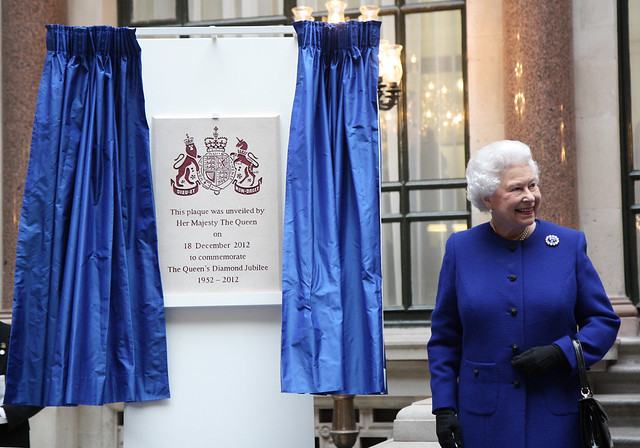 H.M. The Queen unveils a plaque