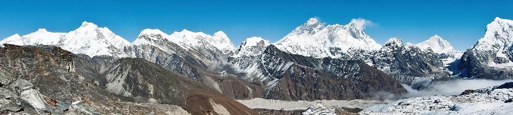 Blick vom Renjo La, 5360 m, auf Mount Everest, Lhotse und Makalu. Foto: Archiv Härter.