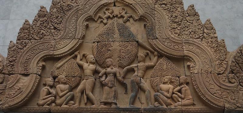 01 柬埔寨建筑雕饰