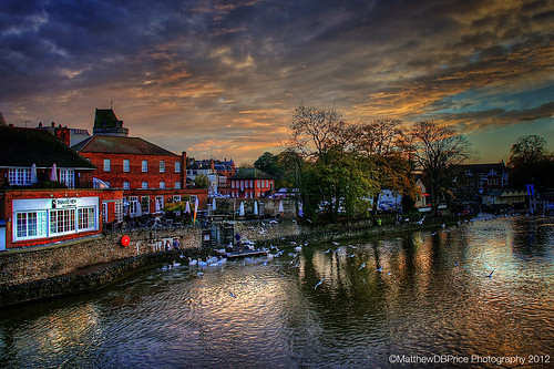 street uk sunset england sky people london castle english public water clouds photoshop buildings reflections river town sony united royal kingdom windsor cs borough roads 1855 crowds hdr photomatixpro nex5 snapseed