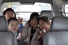 20100403-小孩在車上-1