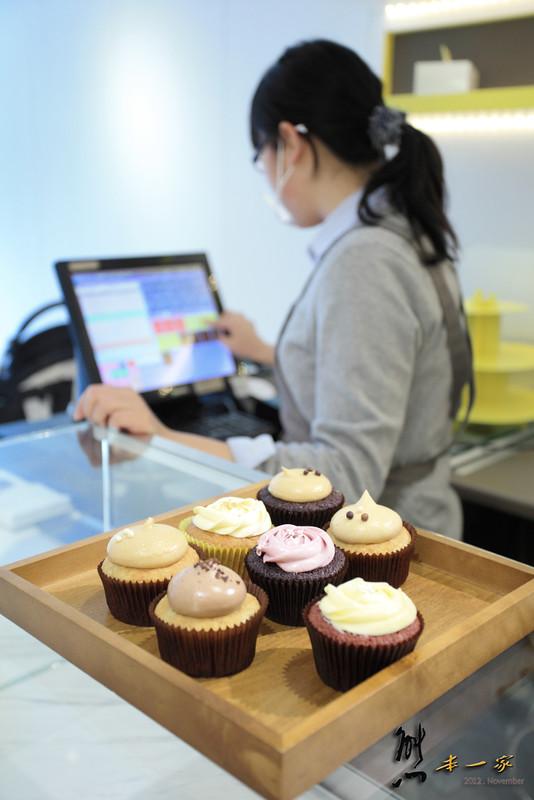捷運東門站美食|Les Bebes Cupcakery貝貝西點|杯子蛋糕