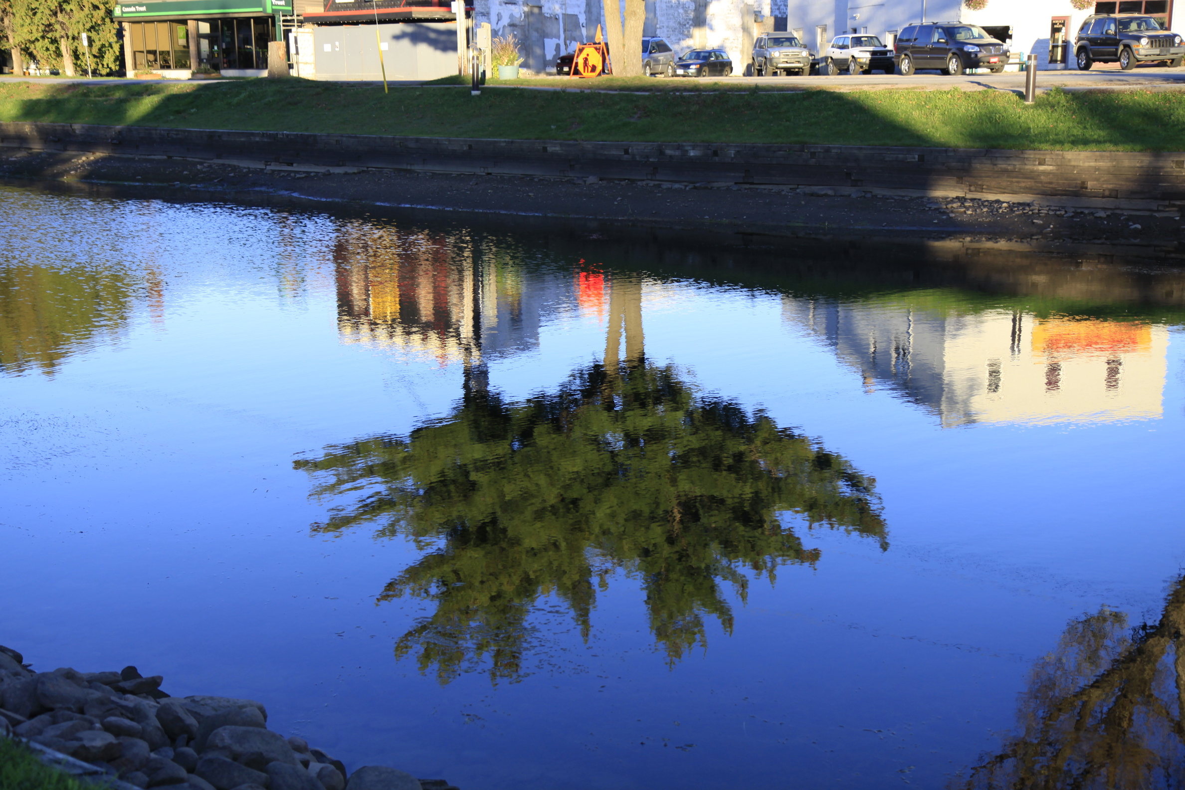 gull river reflection2