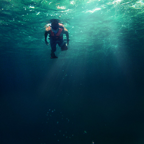 [フリー画像素材] 人物, 人物 - 海, 水泳・泳ぐ ID:201211300400