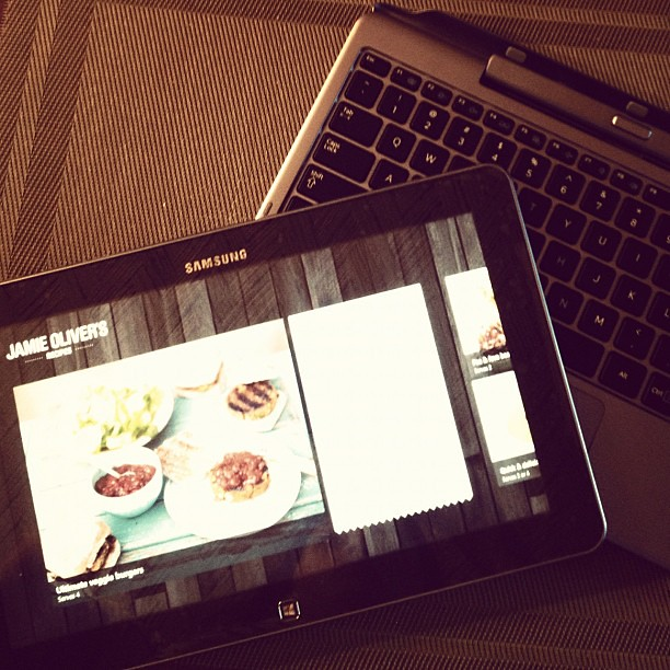 Love my #windows8ph hybrid - laptop slash tablet. Hey @jamieoliver, nice app preview!