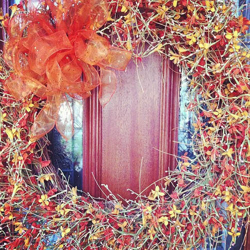 Farewell Autumn wreath! You brought light and beauty to our doorstep every day. We'll see you next year!