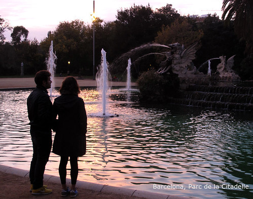 barcelona-couple-text-park-pond-0269