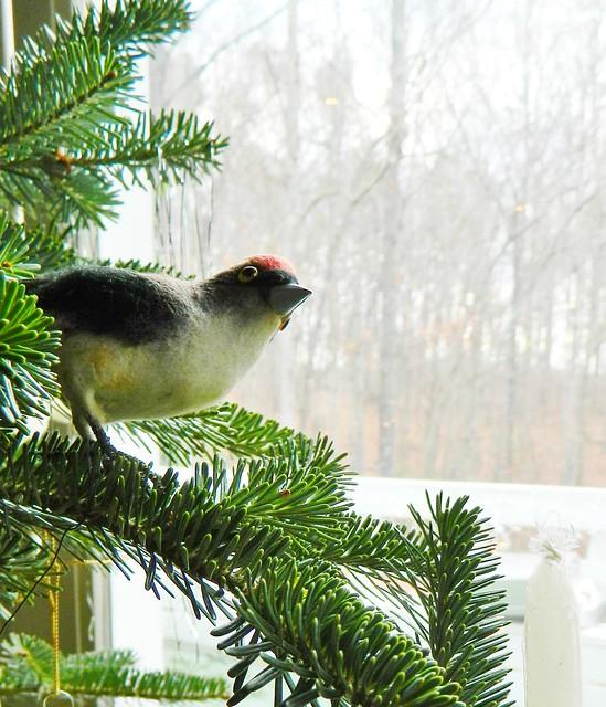 bird ornament on tree via homeologymodernvintage.com