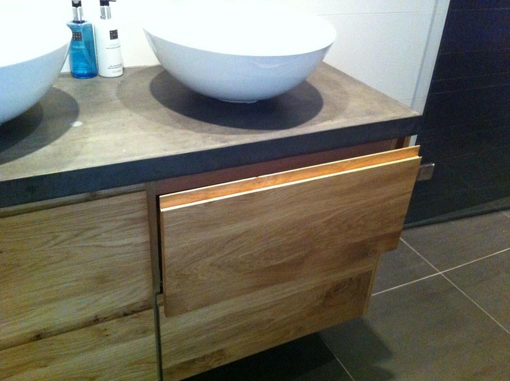 Badkamer Meubel Ikea : Ikea badkamer meubel met nieuwe fronten en betonnen blad flickr