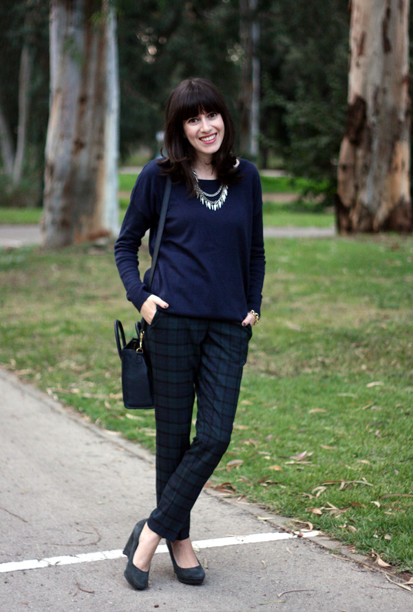 tartan_trousers_navy_knit_celine_bag4