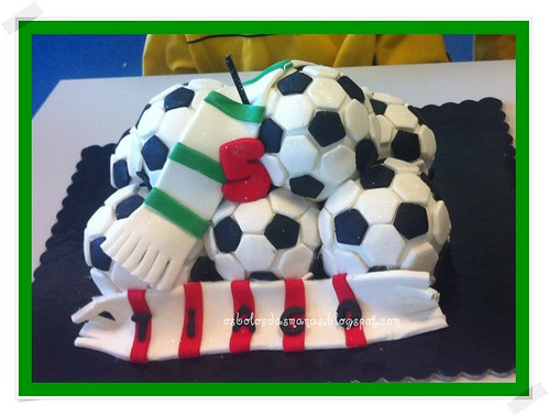 Bolo Mini Bolas de Futebol by Osbolosdasmanas