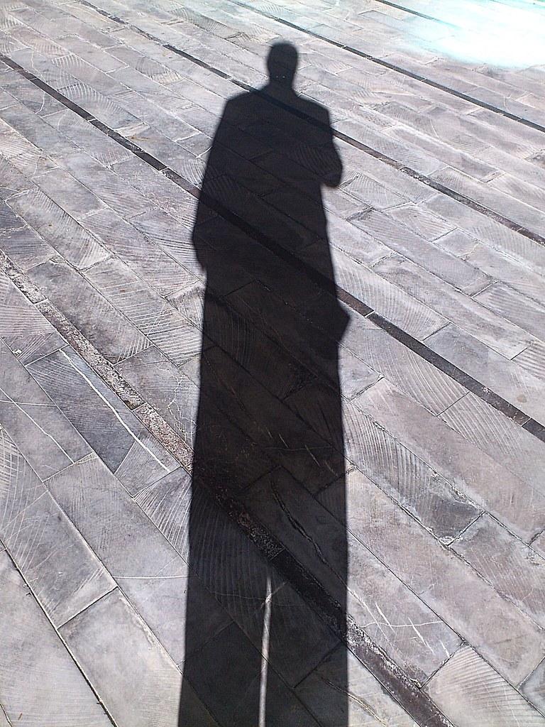 #RetoAutoretrato - No soy nadie sin mi alargada sombra by JR Regaldie Photo