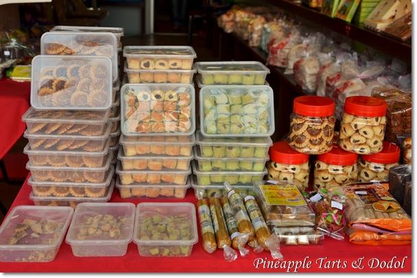 LW Pineapple Tarts & Dodol