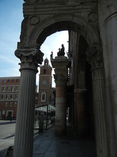 DSCN4068 _ Statue of Borso d'Este (seated), Palazzo Municipale, Ferrara, 17 October
