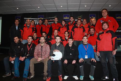 Grupo finalistas junto al grupo de organización
