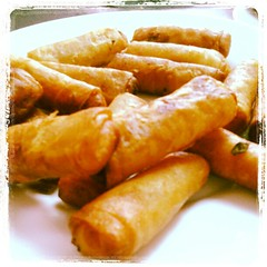 fried food, taquito, lumpia, egg roll, nem rã¡n, spring roll, food, dish, cuisine,