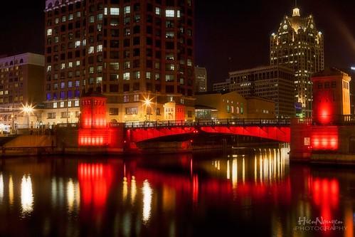 bridge canon reflections riverwalk citiscape milwaukeeriver rememberthatmomentlevel1 nguyenphotos