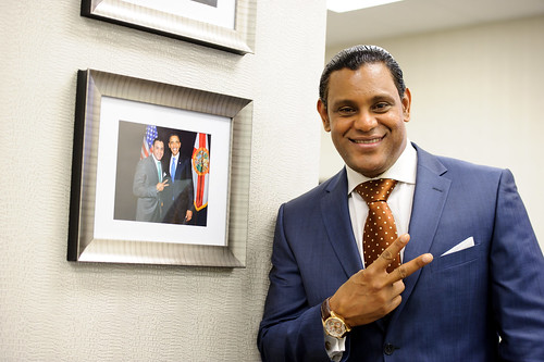 8287097193 1366a9255d These Sammy Sosa pics are creepy yet oddly fascinating
