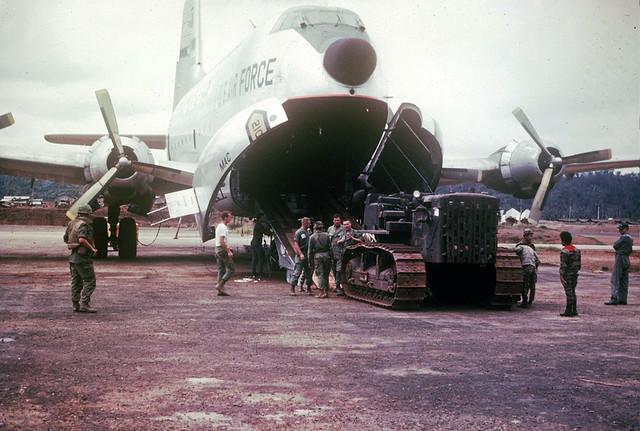 Kham Duc, C-124 D-7 offloading