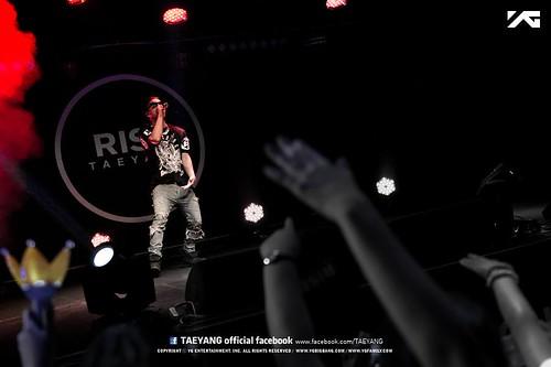 Taeyang_Facebook_BUSAN_concert_20140627 (7)