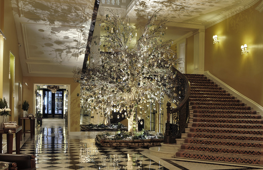 Claridge's Christmas Tree 1.jpg