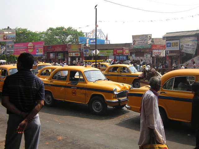 taxi traffic in Kolkata