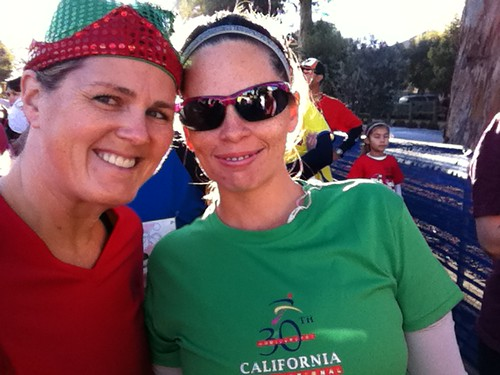 Me and Heather (@hmgiraffy) in the corral for the Santa Run.