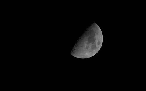 Moon 2012-12-20, 16x10