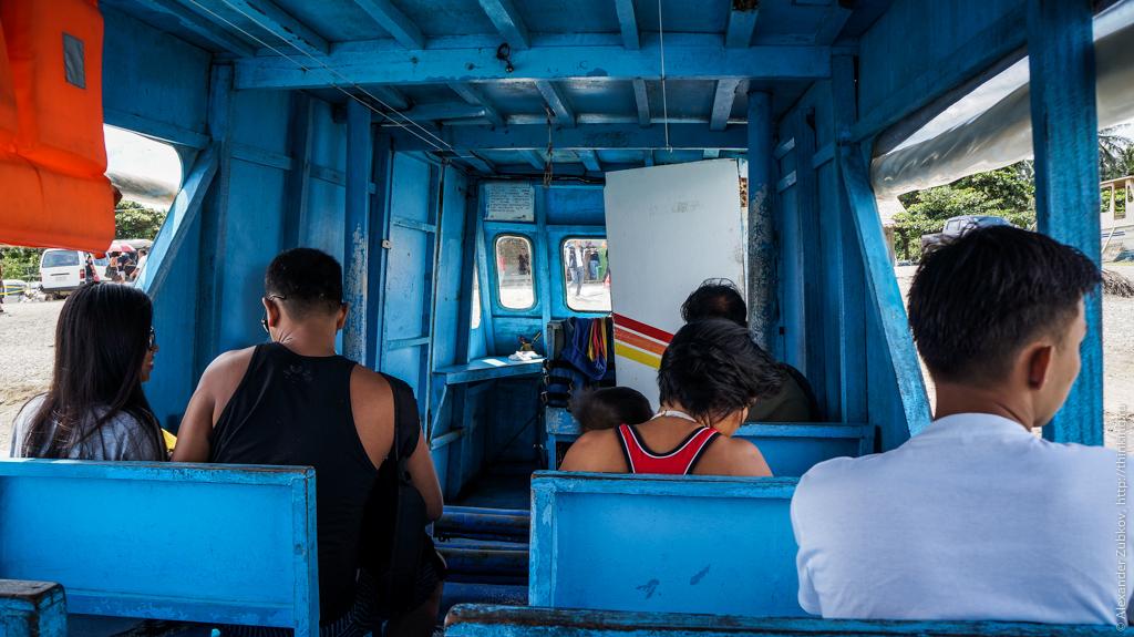 Внутри филиппинской лодки