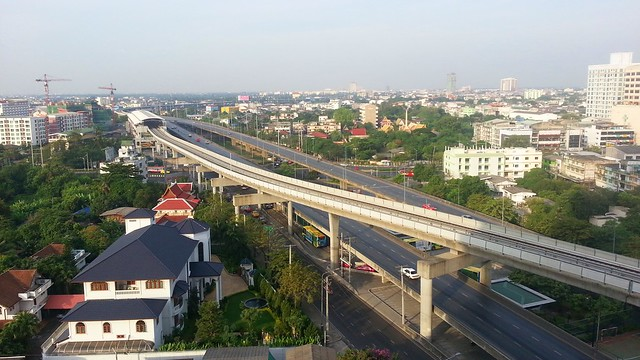 Ratchapruk Road on morning