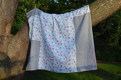 Bee Quilt back