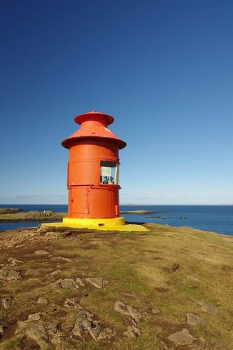 islandiako  Stykkishólmur herriko Súgandisey uhartean  dagoen itsas argia(erronkarako argazkia)