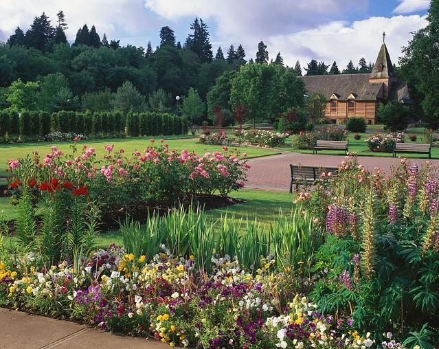 Sara Hite Memorial Rose Garden Vertical 009 Flickr