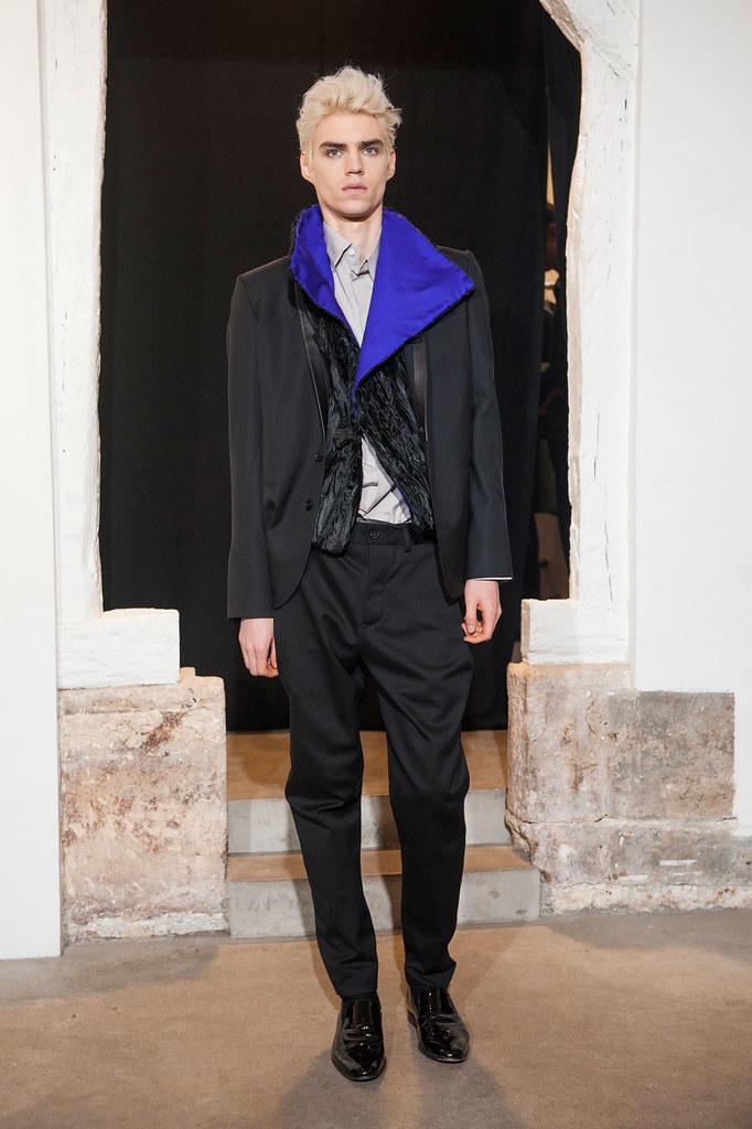 FW13 Paris Gustavolins012_Maxim Mitrofanov(fashionising.com)