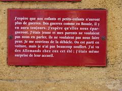 Monument aux morts de Biron (Dordogne), 28 avril 2011