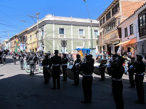 Potosi: défilé et fanfare