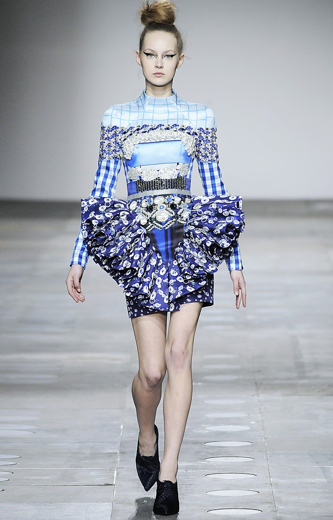 4 Mary_Katrantzou_AW12_Catwalk_Look_23_Photographer_First_View