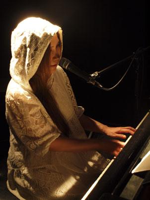 121210(5) – 【新聞稿】知名女歌手「新居昭乃」將於2013/3/24於香港理工大學舉行『首次來港演唱會』! (2/3)