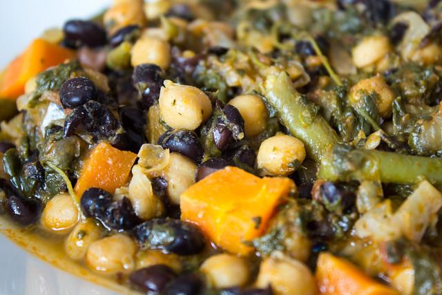 Potaje de garbanzos y jud as negras con verduras veganizando for Cocinar judias negras