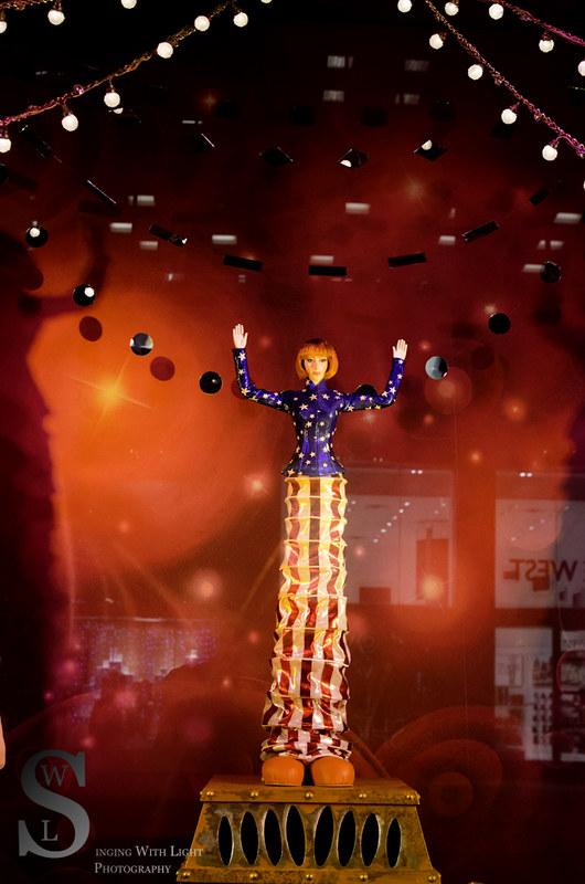 Festive NY Bloomingdales Cirque de Soleil-7515
