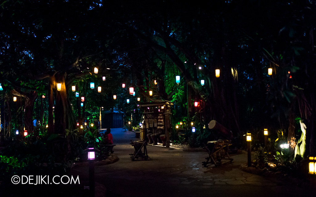 Adventureland - Lanterns at night