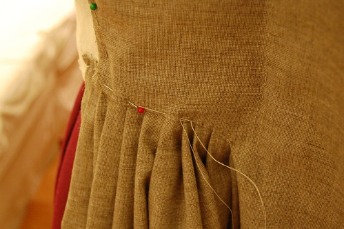 Making a robe a l'anglaise 9