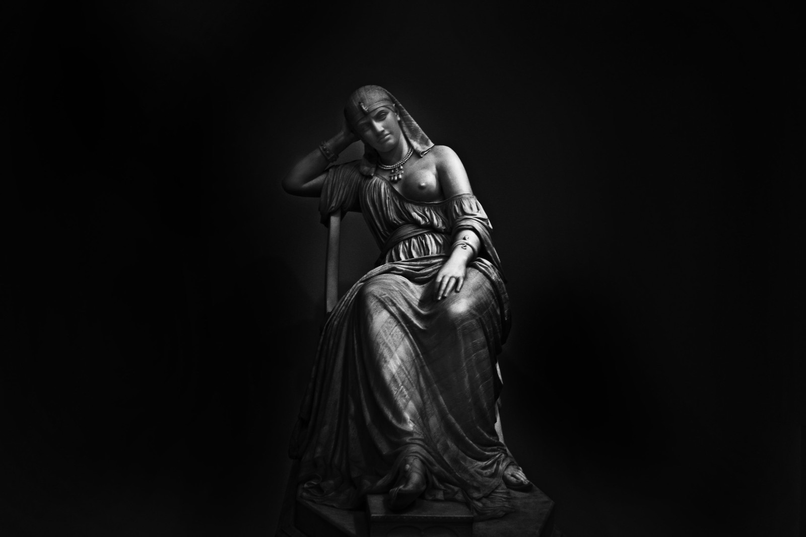 "William Wetmore Story's marble ""Cleopatra"" 1878"